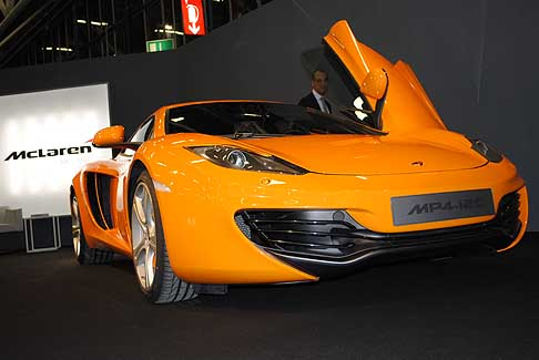 McLaren - McLaren MP4 12C auto sportiva Made in Britain - Photo credit: by © Automania