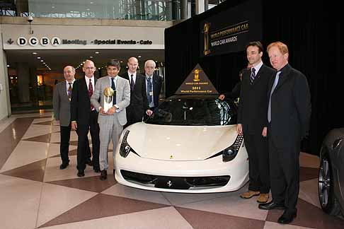 Ferrari - Premiata la superca del cavallino Ferrari 458 Italia con «2011 World Performance Car»