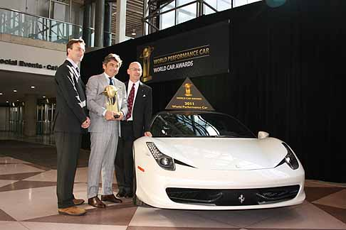 Ferrari - Trofeo �World Performance Car 2011� per la supercar Ferrari 458 Italia