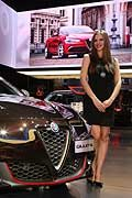 Alfa Romeo Giulietta beautiful model al Parigi Motor Show 2016