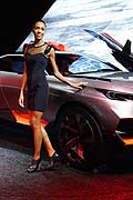 Peugeot Quartz and model al Parigi Motorshow 2014
