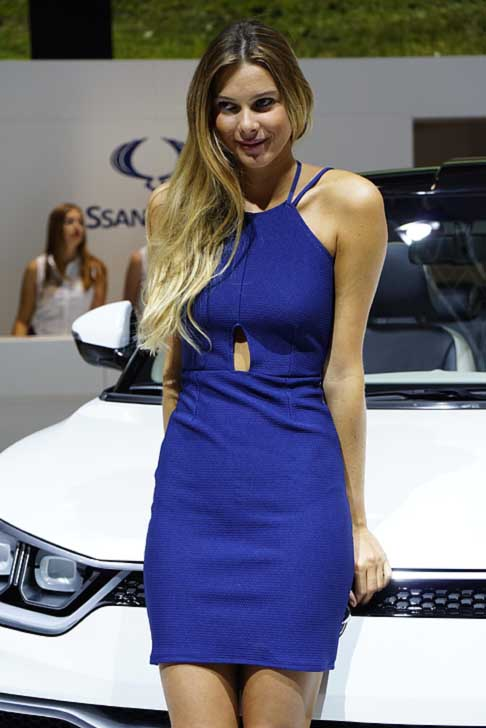 Paris-Motor-Show Hostess