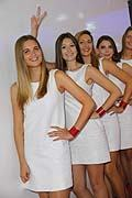 Girls al Mondial de l�Automobile de Paris 2012