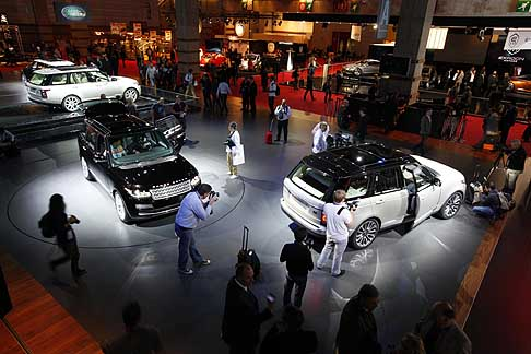 Land Rover - The fourth generation of the iconic Range Rover makes its global public debut at the Paris International Motor Show
