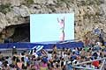 Rhiannan Iffland saluta il pubblico di Polignano al Red Bull Cliff Diving World Series 2016