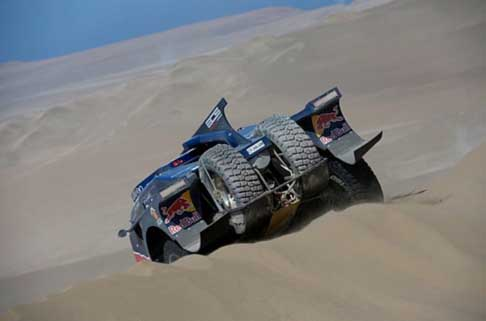 Dakar 2014 - Dakar stage 10: car buggy by Red Bull atmosfere