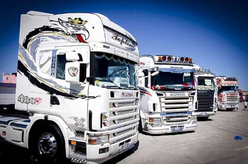Trucks -  Scania camion tuning all´Autodromo del Levante di Binetto