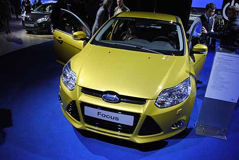 Ford - Ford Focus Titanium 1.6 giallo safari