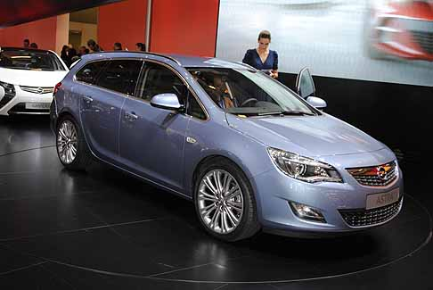 Opel - Opel Astra station wagon Sports Tourer