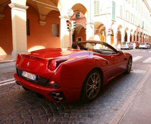 Ferrari California HELE: una Rossa dal cuore ecologico