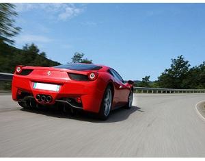 Ferrari a 230 km/h sulla A2 in Svizzera: fermati tre italiani